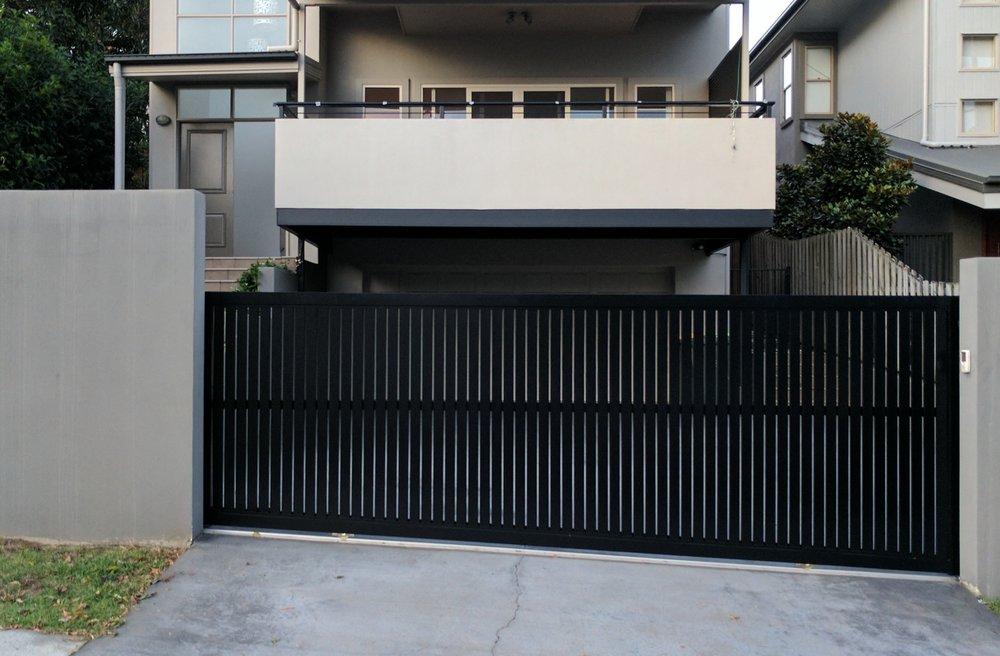 QMODS - Gates & Automation - Driveway Gates - Gate Openers